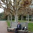 UCバークレーのキャンパス内のベンチ