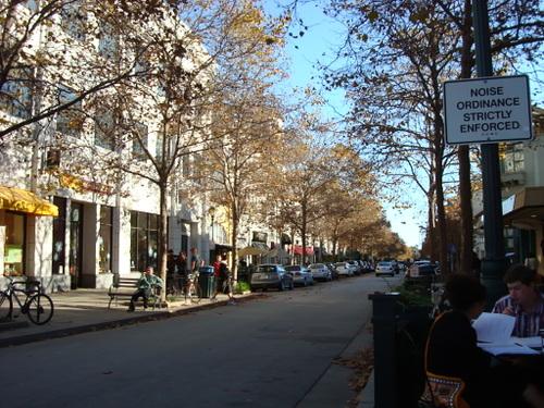 サンタクルスのダウンタウンの町並み