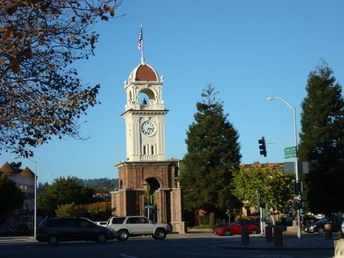 サンタクルスのダウンタウンの塔